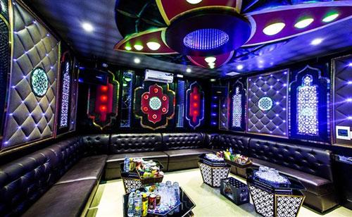 loai-den-trang-tri-quan-karaoke-2