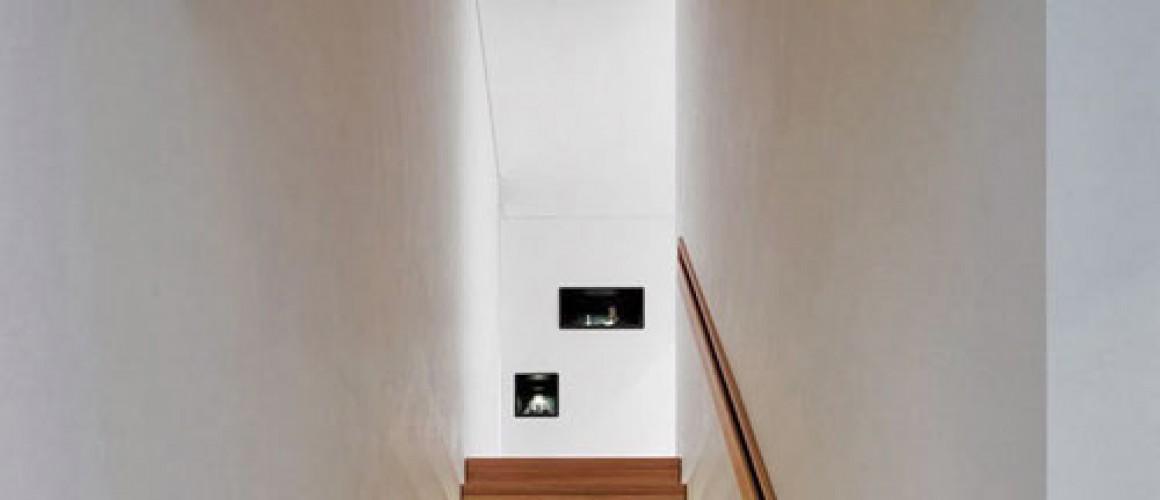 Thắp sáng cầu thang trong nhà bằng đèn phần 1