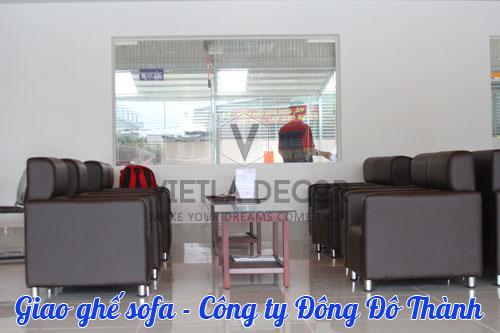 giao-ghe-sofa-cho-khach-hang-dong-do-thanh-1