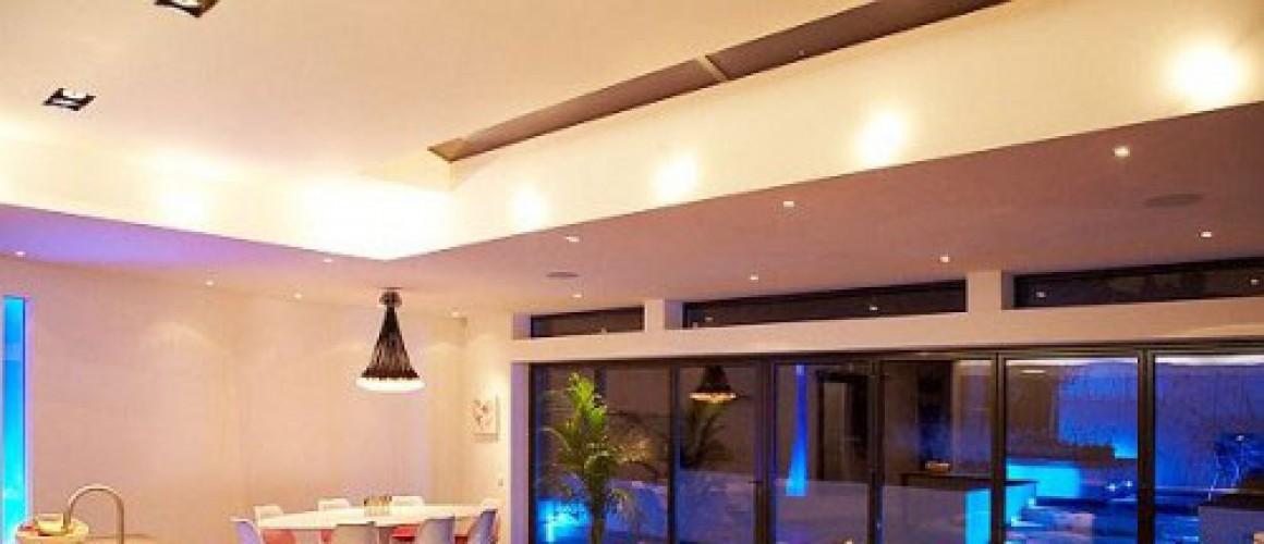 Bố trí đèn cho căn phòng bếp thêm xinh đẹp